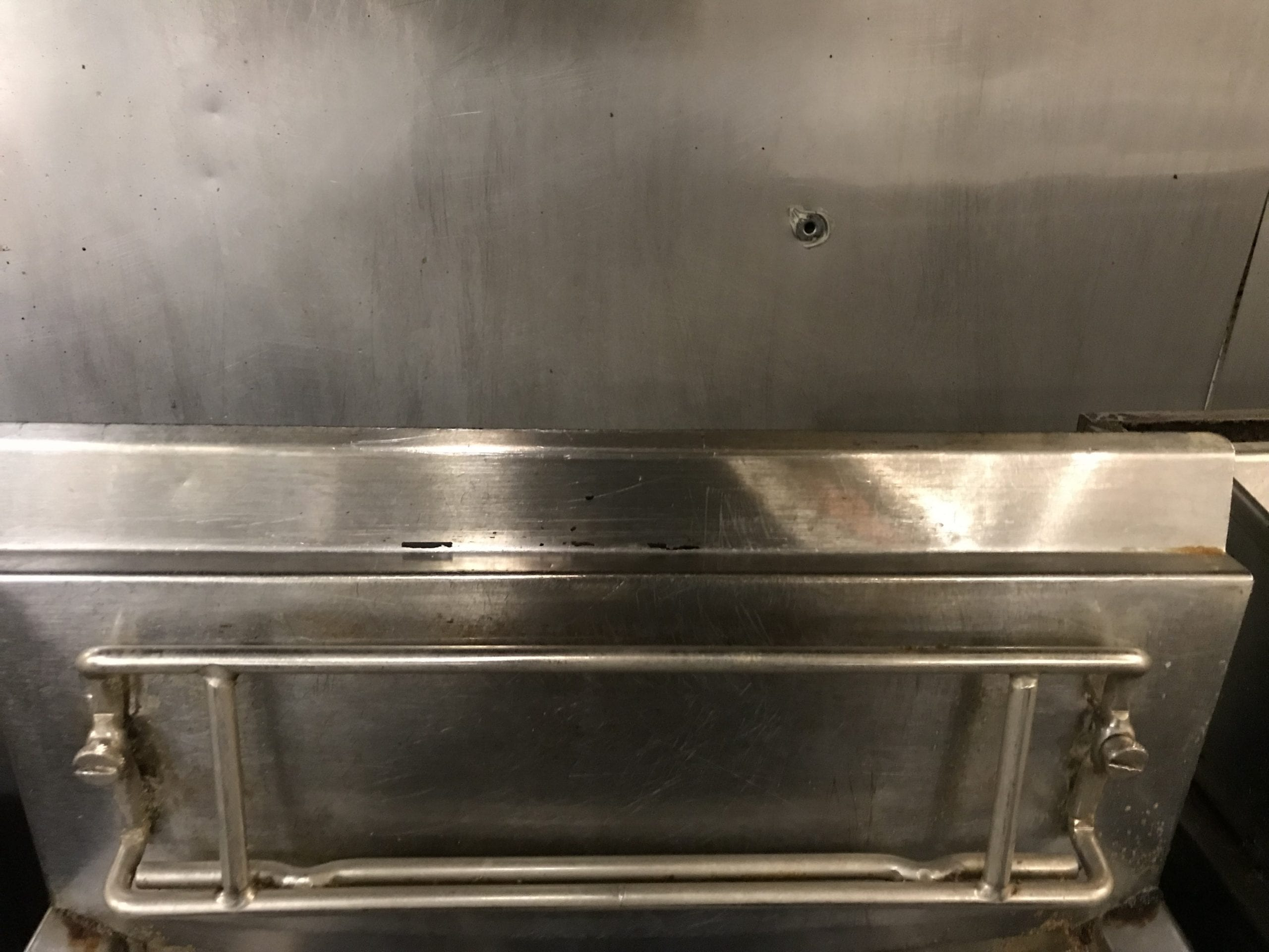 Fryer cleaned with vapor steam